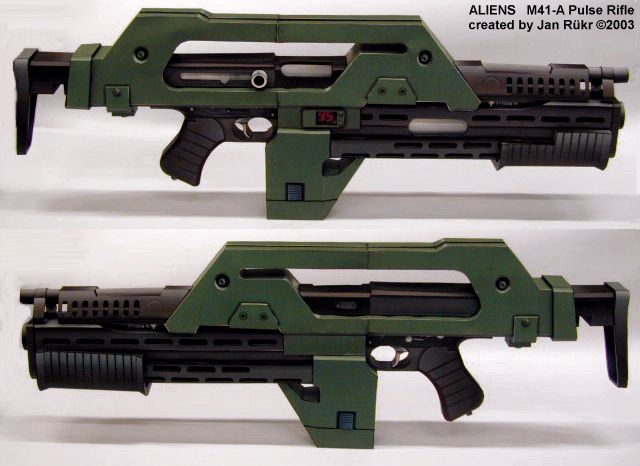 http://aliens.humlak.cz/aliens/aliens_papirove_modely/aliens_models/pulse_rifle/m41model07.jpg